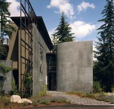 A collaborative global design practice whose work expands the context of built and natural landscapes. Dream Home Design, House Design, Three Story House, Maple Valley, Outdoor Buildings, Concrete Wood, Rooftop Terrace, Rural Area, Global Design