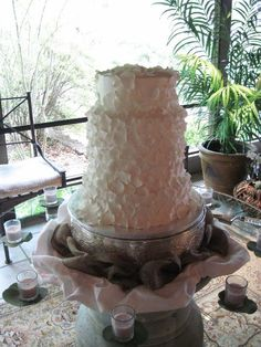 Cakes by Catie Conway AR Fondant flower petals  wedding cake