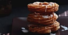 pączki wiedeńskie, pączki bezglutenowe, domowe pączki - przepis Waffles, Cookies, Breakfast, Food, Crack Crackers, Morning Coffee, Biscuits, Essen, Waffle