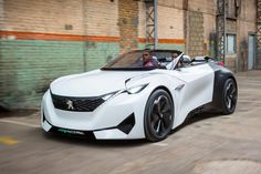 FRACTAL nouveau concept car Peugeot - espritdesign - Pctr UP Lamborghini, Bugatti Cars, Jaguar, Benz, Psa Peugeot Citroen, Automobile, Cabriolet, Expensive Cars, Ford Gt