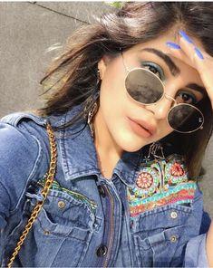 Boho Outfits, Indian Outfits, Casual Outfits, Photography Poses Women, Girl Photography Poses, Indian Fashion, Boho Fashion, Kritika Khurana, Indian Photoshoot