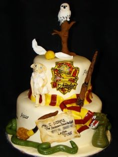 Check out these awesome Harry Potter cakes! Great ideas of home made Harry Potter cakes, that are perfect for HP fans! Bolo Harry Potter, Gateau Harry Potter, Harry Potter Birthday Cake, Harry Potter Food, Harry Potter Wedding, Harry Potter Theme, Utah, Cake Pictures, Creative Cakes