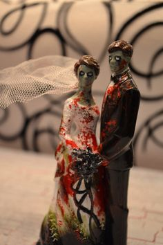 Zombie Wedding Photo Shoot Put S A New Twist On The Bail Of Hey