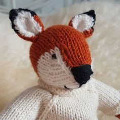Little fox from little cotton rabbits pattern, he is such a little cutie. Knitted Hats, Crochet Hats, Little Cotton Rabbits, Little Fox, Sally, Winter Hats, Christmas Gifts, Knitting, Birthday