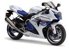 Suzuki GSX-R 1000 Premium Edition, per vedere la MotoGP La Suzuki GSX-R 1000 Premium Edition è stata prodotta in soli 100 esemplari, uno solo, il numero 83, sarà disponibile per l'Italia. Questa versione sfoggia dettagli ricercati e una livrea tutta nuova, inoltre chi se la aggiudicherà potrà assistere a una giornata di test nei box del Team Suzuki MotoGP - See more at: http://www.insella.it/news/suzuki-gsx-r-1000-premium-edition-vedere-motogp#sthash.DUXJvFWB.dpuf