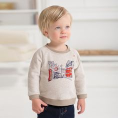 Dave Bella Boys Natural Color T-shirt With fleece lining and British Applique. Little Boy Fashion, Baby Boy Fashion, Kids Fashion, Classic Outfits, Children's Place, Graphic Sweatshirt, T Shirt, Baby Boy Outfits, Tshirt Colors