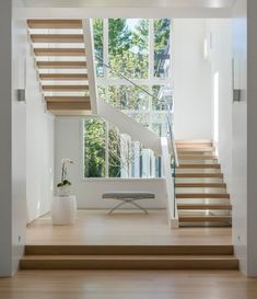 haus design A collection of modern interior designs featuring 20 Elegant Modern Staircase Designs You'll Become Fond Of. Staircase Design Modern, Luxury Staircase, Home Stairs Design, Interior Stairs, Modern Design, Staircase Ideas, Stair Design, Open Staircase, Contemporary Stairs