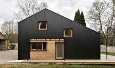 Дешево - не значит плохо: комфортный дом из древесины, построенный для молодой семьи