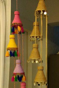 Artesanato com garrafa PET: 60 ideias de como reaproveitar este material PET Bottle Crafts: 60 Ideas on How to Reuse This Material Diy Crafts Hacks, Diy Crafts For Gifts, Diy Home Crafts, Diy Arts And Crafts, Creative Crafts, Decor Crafts, Diy Room Decor, Indian Room Decor, Jute Crafts