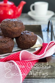 Oil-Free Chocolate Zucchini Muffins..healthy enough for breakfast! #vegan #recipes