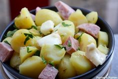Potatoes are an integral part of our daily dishes… What if we made them summer salads, easy to make and addictive during the hot season? Bbq Appetizers, Quiche Lorraine, How To Cook Quinoa, Summer Salads, Chorizo, Fine Dining, Risotto, Entrees, Potato Salad