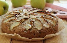 Torta integrale alle mele e yogurt, un dolce rustico e genuino, preparato con pochi ingredienti semplici, perfetto per una pausa in ogni momento
