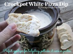 Crockpot White Pizza Dip is amazing! Only 5 Ingredients and cooks up in 2 hours! #crockpot #whitepizzadip
