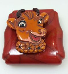 Highly Collectable Vintage Bakelite Elsie The Cow Pin Brooch .
