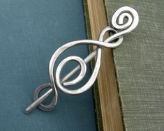 Madonna Swirl Aluminum Shawl Pin Scarf Pin Gift for Knitters and Crocheters Sweater Brooch Cardigan Fastener Wrap Closure by nicholasandfelice Scarf Knots, Madonna, Knitting Accessories, Jewelry Accessories, Fashion Accessories, Wire Crafts, Hair Sticks, Hair Jewelry, Beading Jewelry