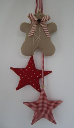 Inspirations et idées pour Noël : Weihnachtsdeko - Lebkuchenmann nach Tilda/ Girlande/ Sterne - ein Designerstück. Christmas Makes, Noel Christmas, Homemade Christmas, Rustic Christmas, Felt Christmas Decorations, Xmas Ornaments, Star Ornament, Christmas Sewing, Christmas Fabric