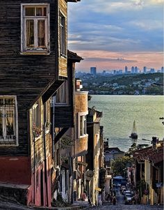 Old houses and farther new houses Istanbul/Turkey Places Around The World, Around The Worlds, Empire Ottoman, Capadocia, Belle Villa, Hagia Sophia, Turkey Travel, Belle Photo, Dream Vacations