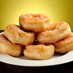 Doughnuts mit Marzipan und Rumglasur