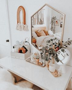 Cute Bedroom Decor, Room Ideas Bedroom, Bedroom Inspo, Study Room Decor, Bohemian Bedroom Decor, Cute Room Ideas, Girl Bedroom Designs, Teen Room Designs, Boho Room