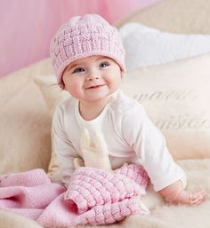 How to knit a baby beanie: Knit this beanie for your baby to keep their little head warm as toast. This is a great gift idea for a family member or friend with a newborn.