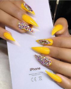 60 Trendy Yellow Nail Art Designs To Make You Stunning In Summer Page 57 of 60 . - 60 Trendy Yellow Nail Art Designs To Make You Stunning In Summer Page 57 of 60 - Dope Nails, Glam Nails, Glitter Nails, Beauty Nails, My Nails, Nails On Fleek, Yellow Nails Design, Yellow Nail Art, Yellow Glitter