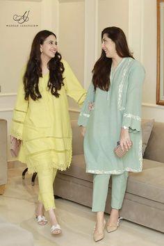 Simple Kurti Designs, New Kurti Designs, Kurta Designs Women, Beautiful Dress Designs, Stylish Dress Designs, Designs For Dresses, Pakistani Fashion Casual, Pakistani Dresses Casual, Pakistani Dress Design