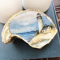 Seashell Painting, Seashell Art, Seashell Crafts, Beach Crafts, Seashell Projects, Oyster Shell Crafts, Oyster Shells, Shells And Sand, Sea Shells