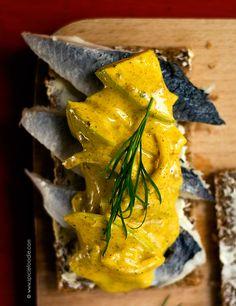 Earth Eats: Danish Smorrebrod (Smørrebrød) by @SpicieFoodie | #Danishcuisine #smorrebrod #lunch #sandwiches #Smørrebrød