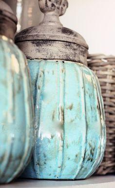 New shabby chic blue kitchen robins egg ideas Shades Of Turquoise, Bleu Turquoise, Vintage Turquoise, Turquoise Cottage, Turquoise Glass, Light Turquoise, Vintage Colors, Robins Egg, Bottles And Jars