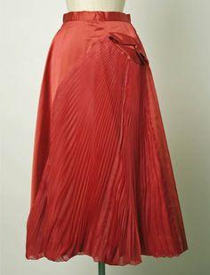Evening skirt  Designer:Elsa Schiaparelli (Italian, 1890–1973) Date:late 1940s Culture:French Medium:silk Credit Line:Purchase, Irene Lewisohn Bequest, 1973 Accession Number:1973.258.1