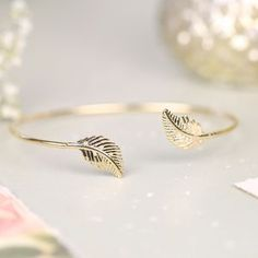 Shop our beautiful collection of womens bracelets and bangles. From precious pearl chains to handmade rose gold charms, you`ll have unlimited choices of what to add to your jewellery box. Ring Bracelet, Bangle Bracelets, Bangles, Jewelry Shop, Fashion Jewelry, Women Jewelry, Jewelry Ideas, Dainty Jewelry, Fine Jewelry