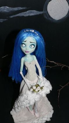 Corpse Bride custom Monster High doll. I've always wanted to see this movie and I don't know why I still haven't.
