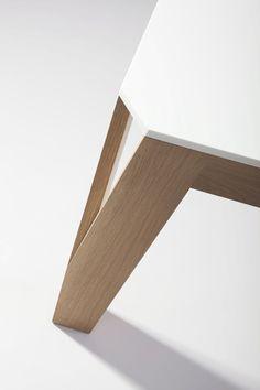 table basse MELI-MELO: Chêne et Corian