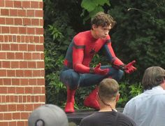 "[NEW] HQ photo of Tom on set of ""Spider-Man: Homecoming"" in Queens, New York! - @tomholland2013 #tomholland #spiderman #peterparker #spidermanhomecoming"