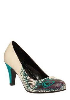 Get the must-have pumps of this season! These Modcloth Peacock Proudly Posh Heel Pumps Size US 8 are a top 10 member favorite on Tradesy. Save on yours before they're sold out! Shoe Boots, Shoes Heels, High Heels, Prom Shoes, Flats, Cute Shoes, Me Too Shoes, Peacock Shoes, Peacock Feathers