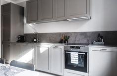 Limestone Aza 20 mm in the kitchen. Kitchen Interior, Interior Design Living Room, Interior Decorating, Kitchen Dining, Kitchen Decor, Kitchen Cabinets, Interior Design Quotes, Modern Kitchen Design, Furniture Design