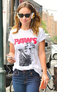 T-shirt and jeans #simple #outfit #sunglasses #fashion