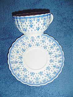 Spode-Copeland Fleur de Lis Cups/Saucers - Earthenware. Click the image for more information.