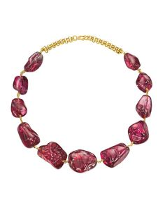 An Imperial Mughal spinel necklace with eleven polished baroque spinels for a total weight of 1.136,63 carats. Three of the spinels are engraved. Two with the name of Emperor Jahangir, one with the three names of Emperor Jahangir, Emperor Shah Jahan and Emperor Aurangzeb.