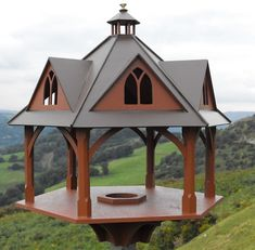 Stunning designer bird tables direct from the maker. Wooden Bird Feeders, Bird House Feeder, Bird Tables, Bird House Kits, Bird Houses Diy, Garden Animals, Bird Boxes, Kinds Of Birds, Nesting Boxes