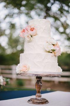 Rustic cake: http://www.stylemepretty.com/california-weddings/orange-county/2015/04/29/romantic-orange-county-wedding/ | Photography: Sargeant - http://www.sargeantcreative.com/
