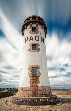 Le phare du Paon au nord de l'île de Bréhat dans les Côtes d'Armor