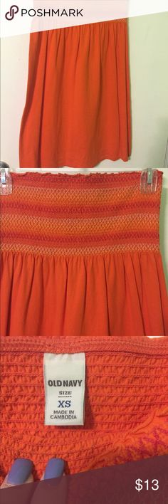 XS Sundress Women's XS strapless sundress from Old Navy. Worn once and in perfect condition. It is super cute for the beach. Old Navy Dresses Strapless