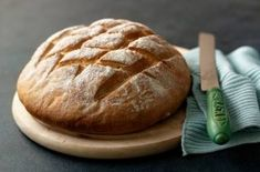 For tasty, soft, white homemade bread, have a go at Paul Hollywood's crusty cob loaf recipe from The Great British … Bake Off Recipes, Loaf Recipes, Baking Recipes, Cob Loaf Spinach Dip, Cob Loaf Dip, First Bread Recipe, Cobb Loaf, Cob Bread, Beginners Bread Recipe