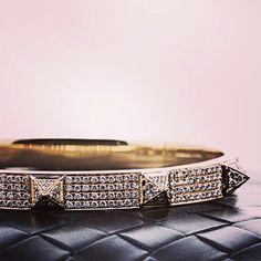 Friday I'm un Love  in love with this bracelet ⚡️✨ Lo encuentras en PinkRevolver.com.mx en la sección de plata .925 #PinkRevolver #ShopOnline