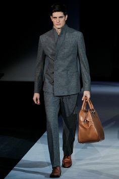 Giorgio Armani - Men Fashion Fall Winter - Shows - Vogue. Giorgio Armani, Armani Men, Fashion Show, Mens Fashion, Fashion Design, Fashion Fall, Armani Collection, Dapper Gentleman, Stylish Men