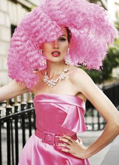 hat feathery pink...luv!
