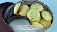 Karachi fruit biscuits are the easy and delicious eggless cookies with Tutti Frutti. Soft and buttery biscuits with tutti frutti and crunchy cashew nuts. Indian Dessert Recipes, Sweets Recipes, Snack Recipes, Cooking Recipes, Indian Snacks, Cooking Food, Eggless Cookie Recipes, Eggless Baking, Vegan Baking
