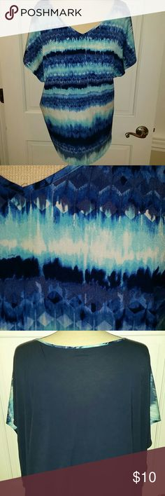 Light V neck shirt Beautiful colors of blue. Very light, comfy, V neck shirt Apt. 9 Tops Tees - Short Sleeve