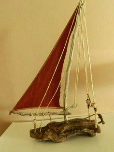 Boot aus Treibholz